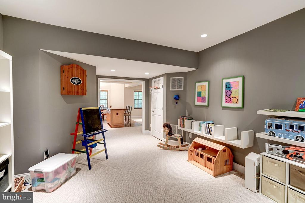 Play Room - 12215 JONATHONS GLEN WAY, HERNDON