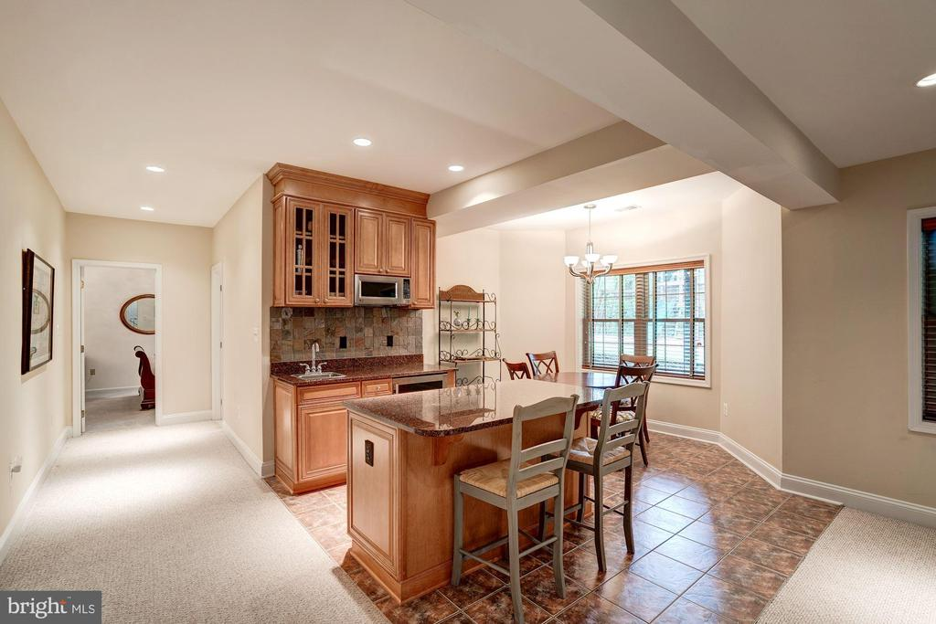 Wet Bar - 12215 JONATHONS GLEN WAY, HERNDON