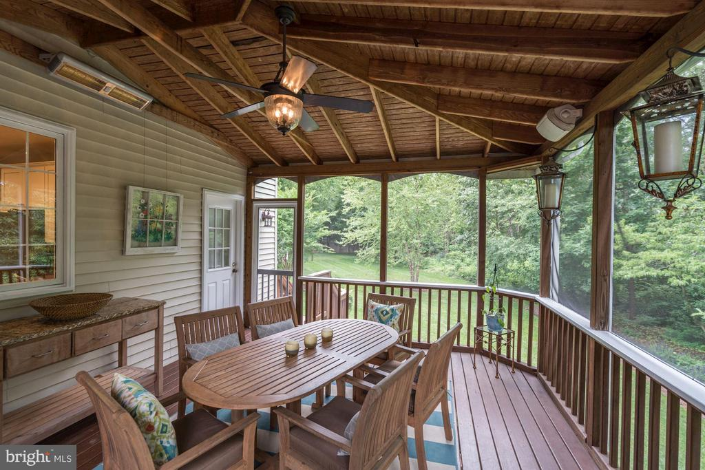 Screened in Porch - 12215 JONATHONS GLEN WAY, HERNDON