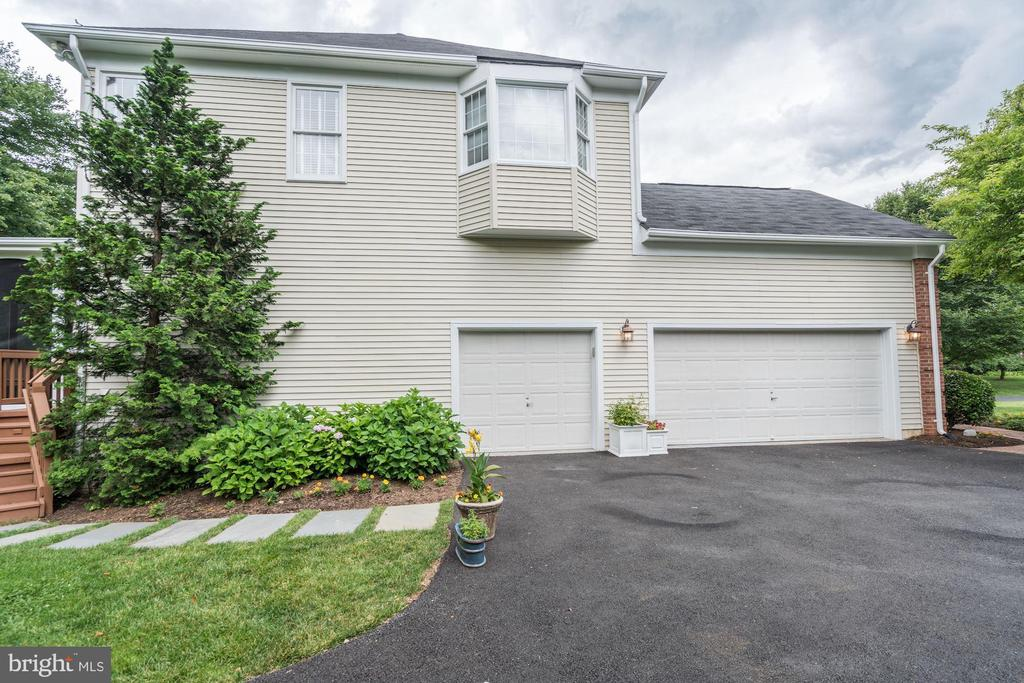 2-Car Garage - 12215 JONATHONS GLEN WAY, HERNDON