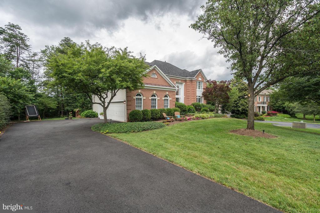 Exterior - Side - 12215 JONATHONS GLEN WAY, HERNDON
