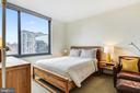 Spacious master bedroom - 2001 15TH ST N #1410, ARLINGTON