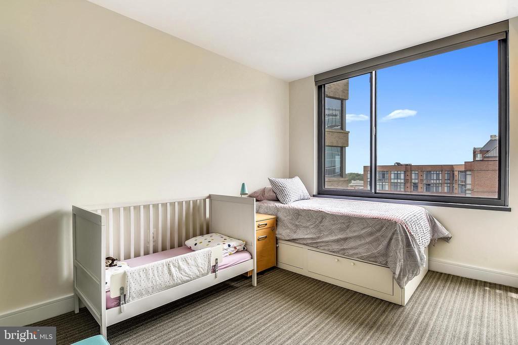 2nd bedroom - 2001 15TH ST N #1410, ARLINGTON