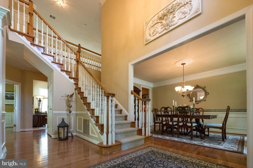 Grand entrance - 21470 BASIL CT, BROADLANDS