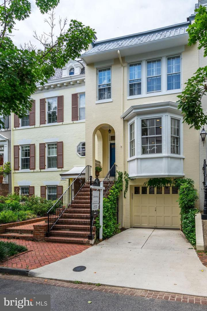 Single Family for Sale at 3021 Dent Pl NW Washington, District Of Columbia 20007 United States