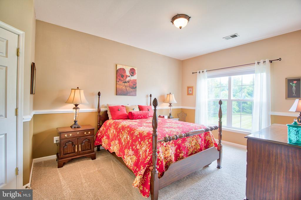Bedroom 1 - 6853 MILL VALLEY DR, WARRENTON