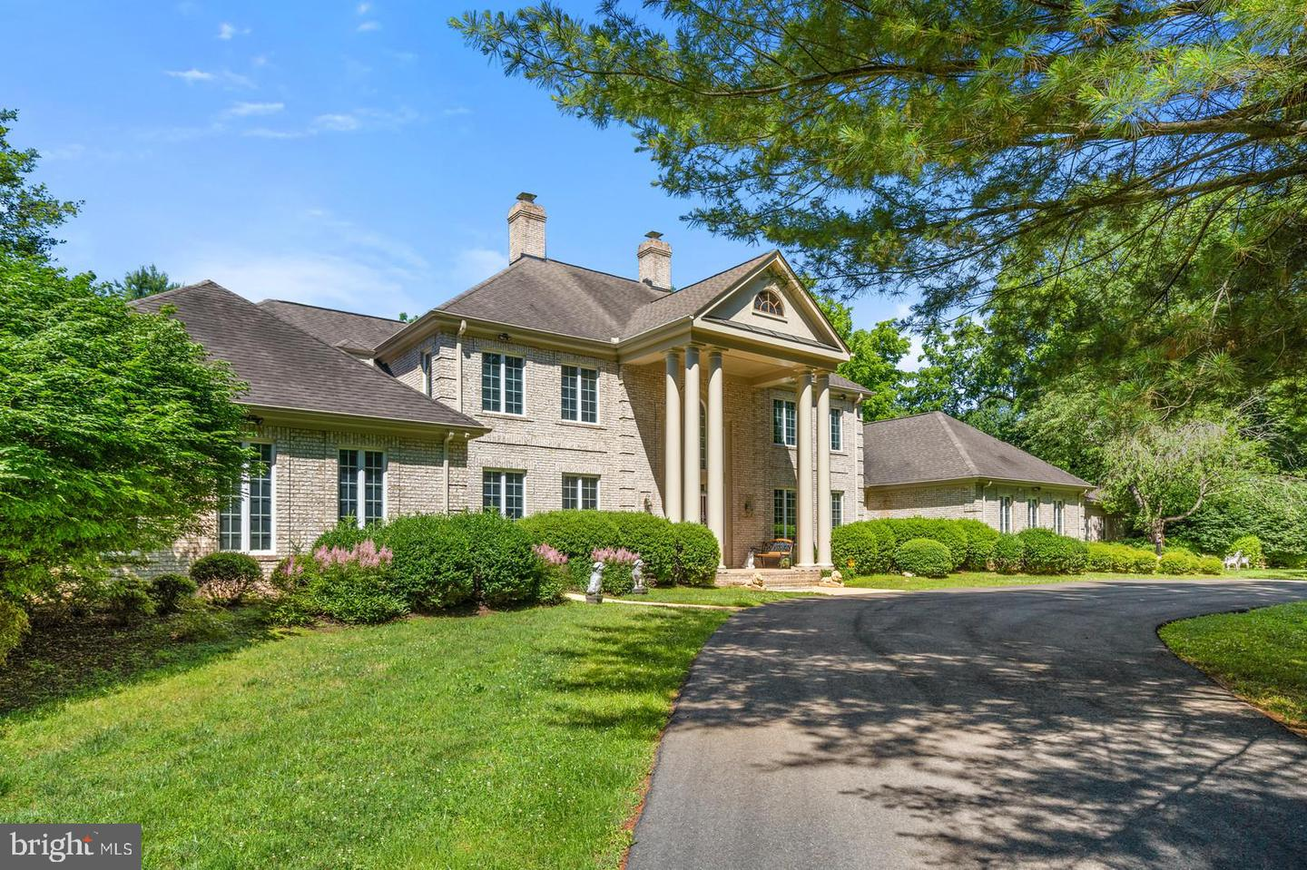 Single Family for Sale at 5842 Green Springs Dr 5842 Green Springs Dr Warrenton, Virginia 20187 United States