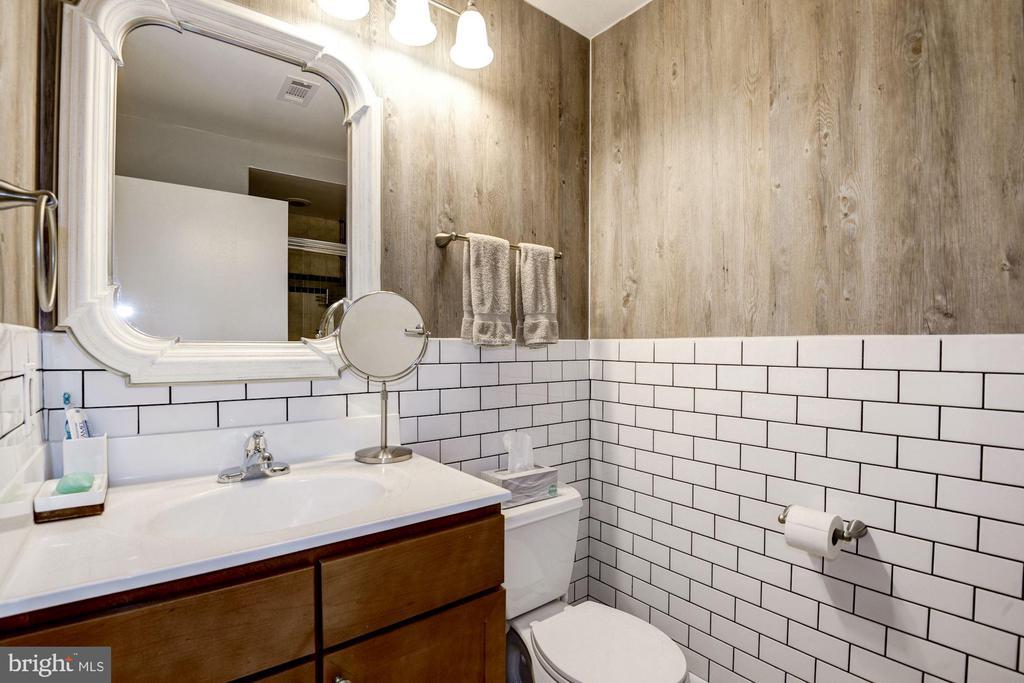 bathroom - 400 MASSACHUSETTS AVE NW #804, WASHINGTON
