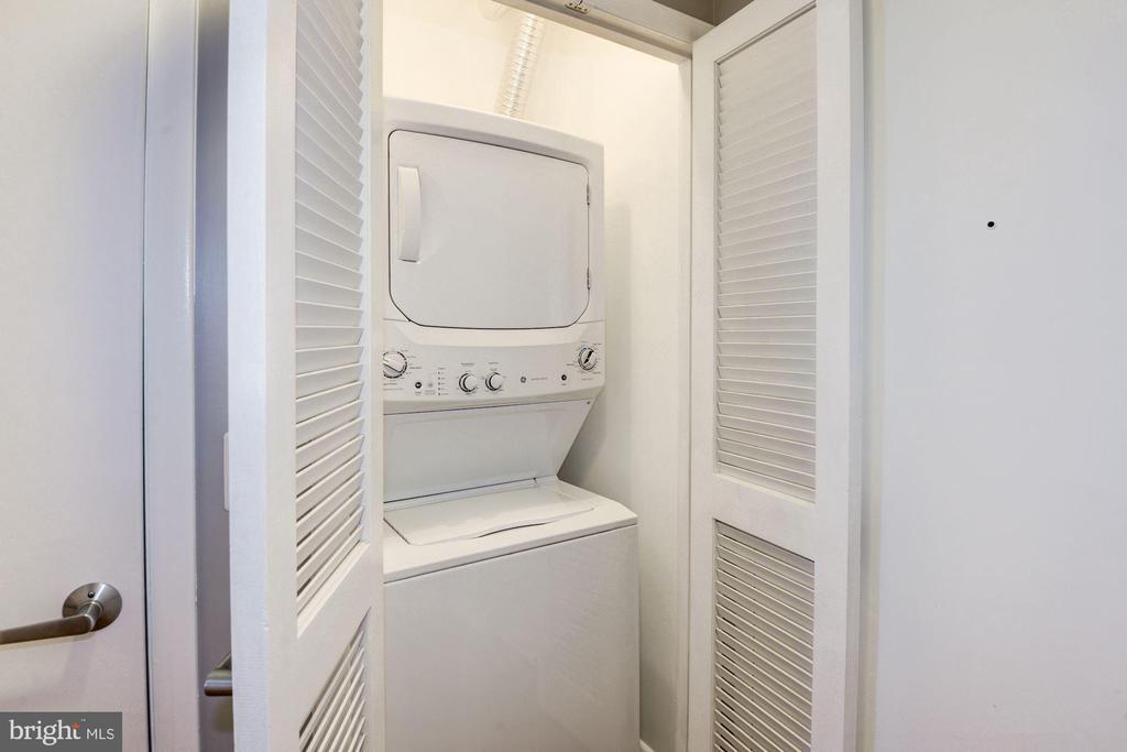 washer/dryer - 400 MASSACHUSETTS AVE NW #804, WASHINGTON