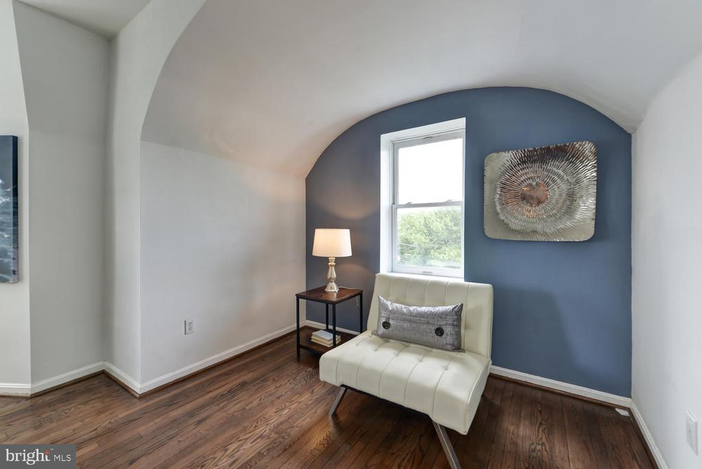 Bonus space with amazing views of the city! - 1700 15TH ST NW #301, WASHINGTON