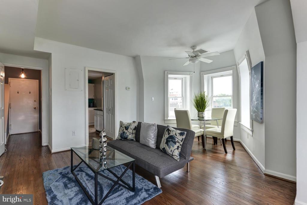 Open and bright floor plan - 1700 15TH ST NW #301, WASHINGTON