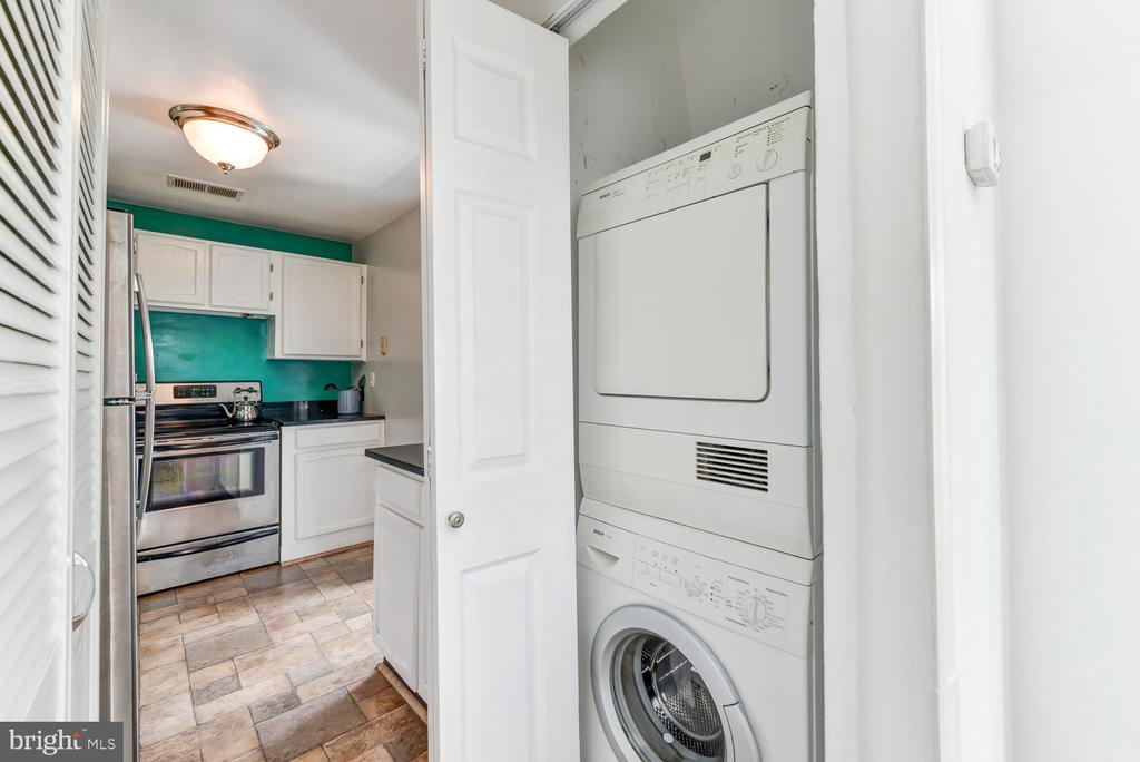 In-unit washer / dryer - 1700 15TH ST NW #301, WASHINGTON