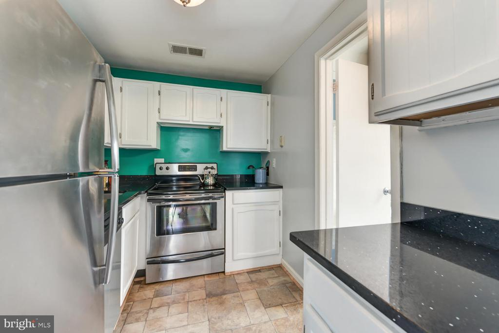 Stainless steel appliances - 1700 15TH ST NW #301, WASHINGTON