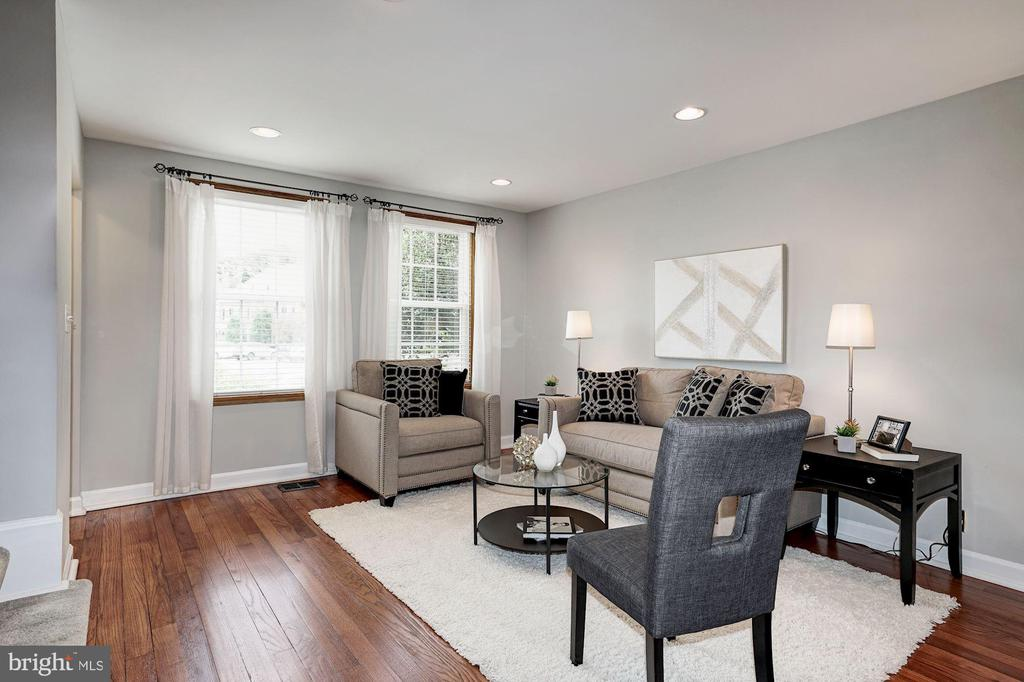Living Room - Receives an Abundance of Sunlight! - 4636 36TH ST S #A, ARLINGTON