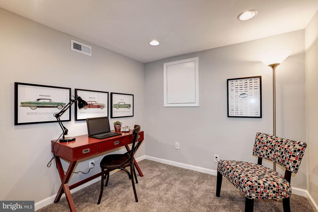 BONUS ROOM - Use as  Home Office or Kids Play Room - 4636 36TH ST S #A, ARLINGTON