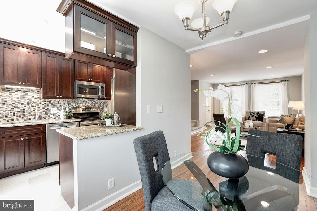 Open Concept Floor Plan! - 4636 36TH ST S #A, ARLINGTON