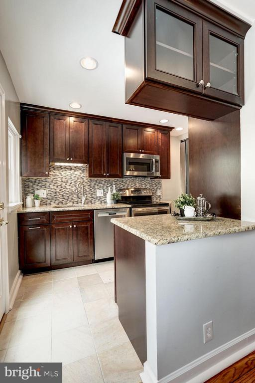 Recently Renovated Kitchen - Opened Up Kitchen! - 4636 36TH ST S #A, ARLINGTON