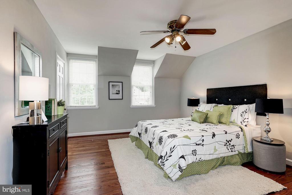 Master Bedroom - Brand New Refinished Hardwoods - 4636 36TH ST S #A, ARLINGTON