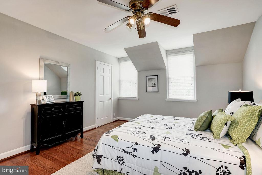 Master Bedroom - Abundance of Sunlight - 4636 36TH ST S #A, ARLINGTON