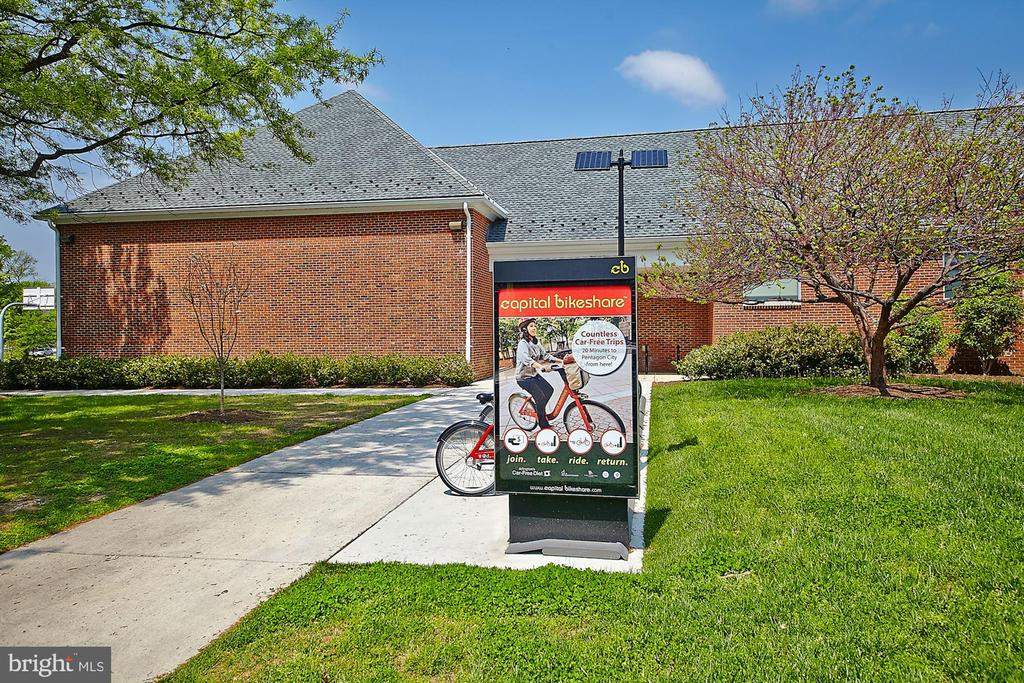 Capital Bike Share - 4636 36TH ST S #A, ARLINGTON