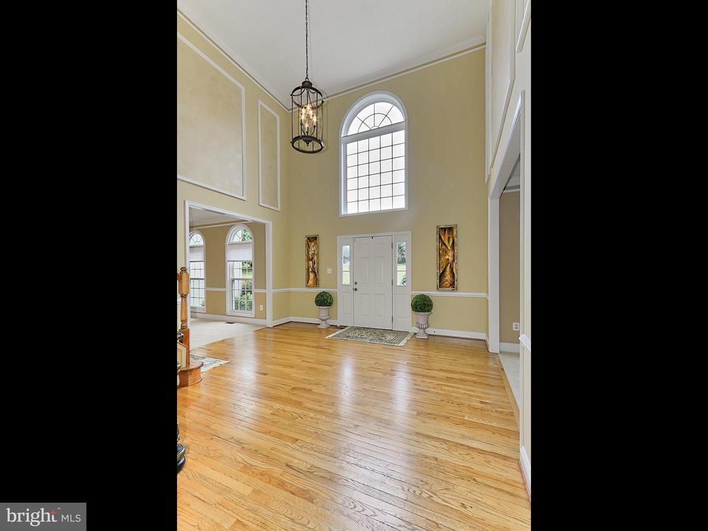 Foyer - 34900 DELIA CT, ROUND HILL