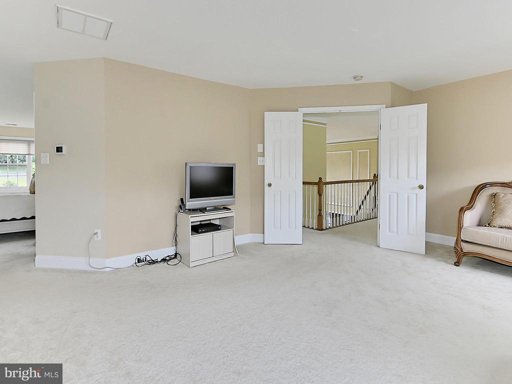 Master Bedroom Sitting Room - 34900 DELIA CT, ROUND HILL
