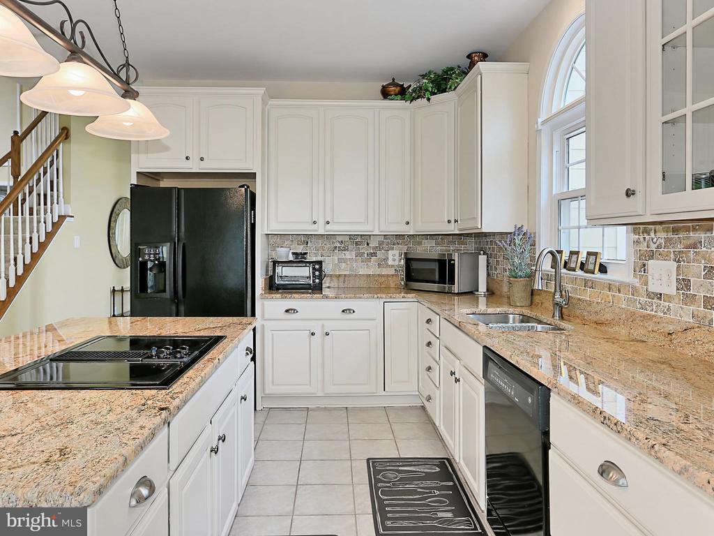 Kitchen - 34900 DELIA CT, ROUND HILL