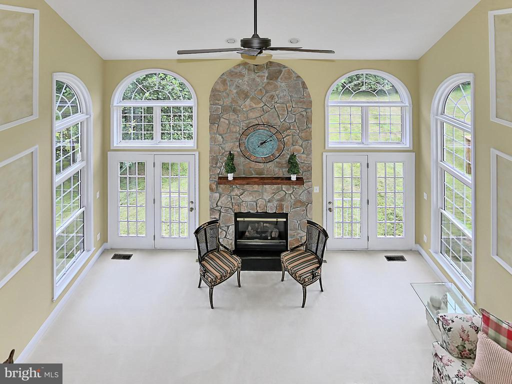 View of Great Room from Upper Level - 34900 DELIA CT, ROUND HILL