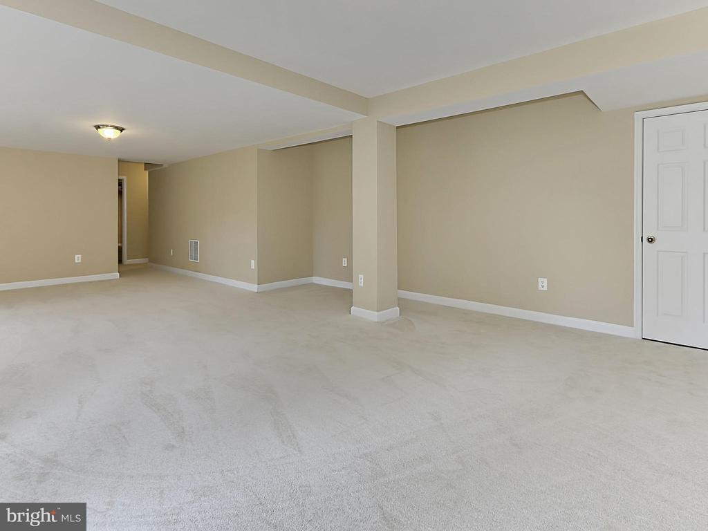 Family Room - 34900 DELIA CT, ROUND HILL
