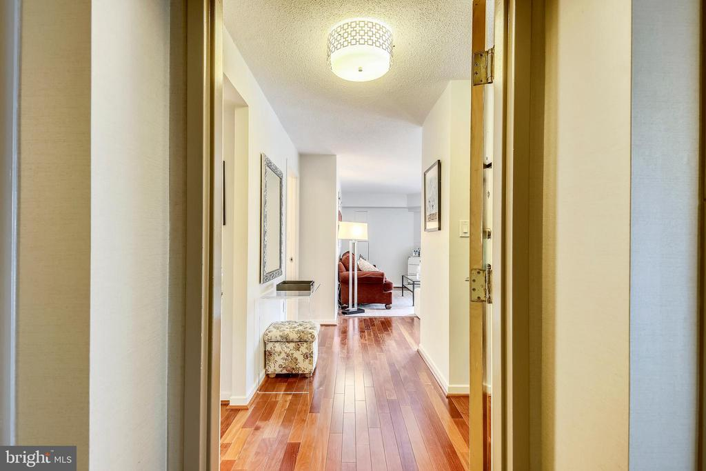 Welcome to this fabulous condo - 2111 WISCONSIN AVE NW #516, WASHINGTON
