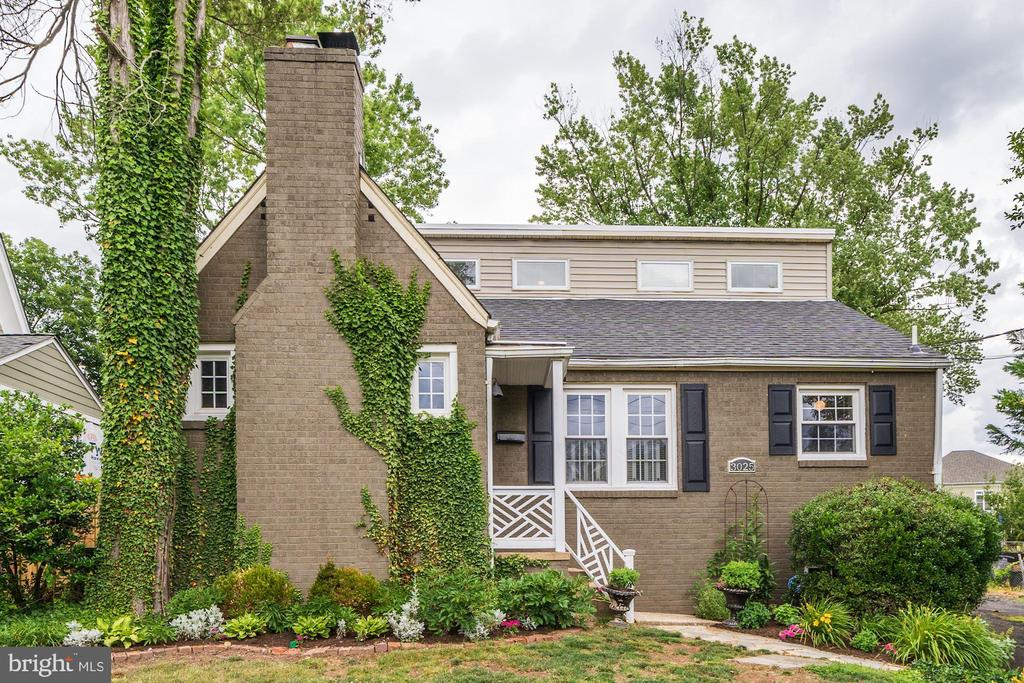 Charming Colonial exterior - 3025 N WESTMORELAND ST, ARLINGTON