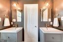 Dual sinks in MBR - 3025 N WESTMORELAND ST, ARLINGTON