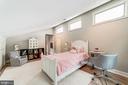 Second bedroom with vaultedceilings - 3025 N WESTMORELAND ST, ARLINGTON