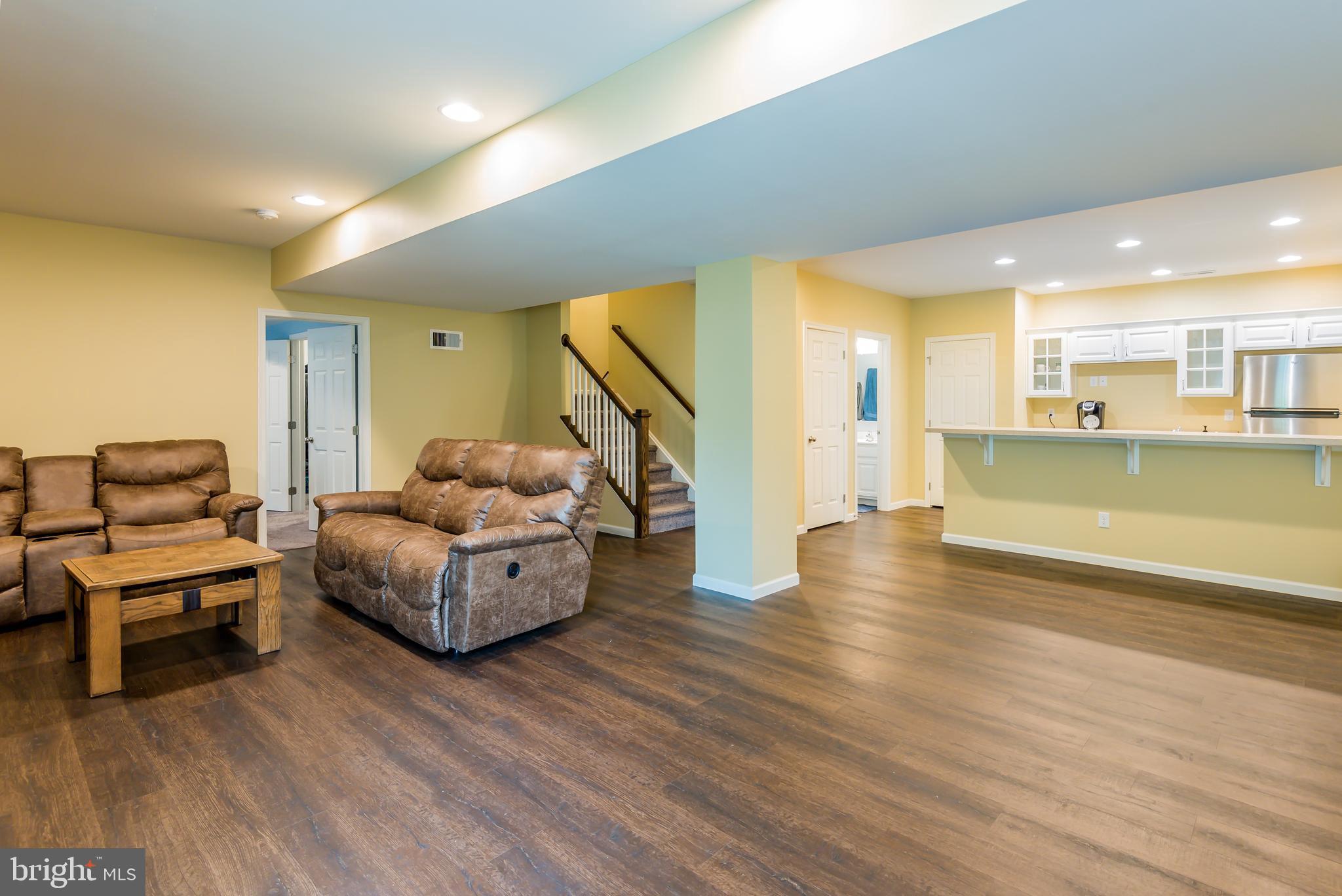 Kitchenette/Living area combo