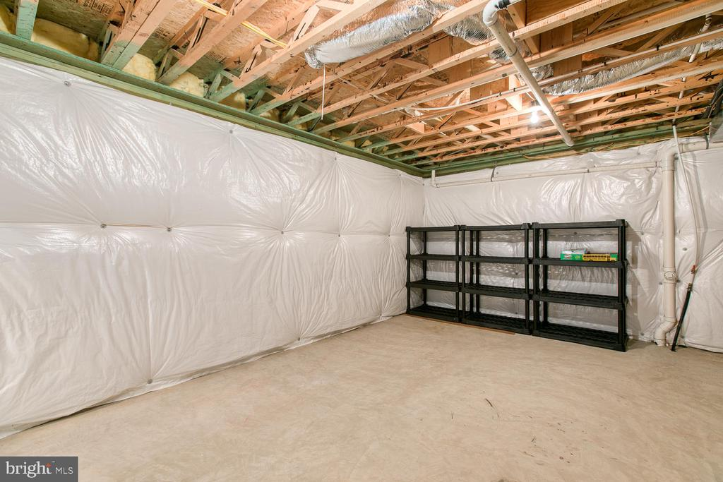 Unfinished bsmt area, great for storage! - 102 GLACIER WAY, STAFFORD