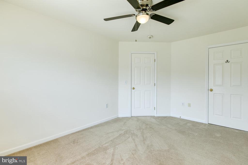 Bedroom 3 - 102 GLACIER WAY, STAFFORD