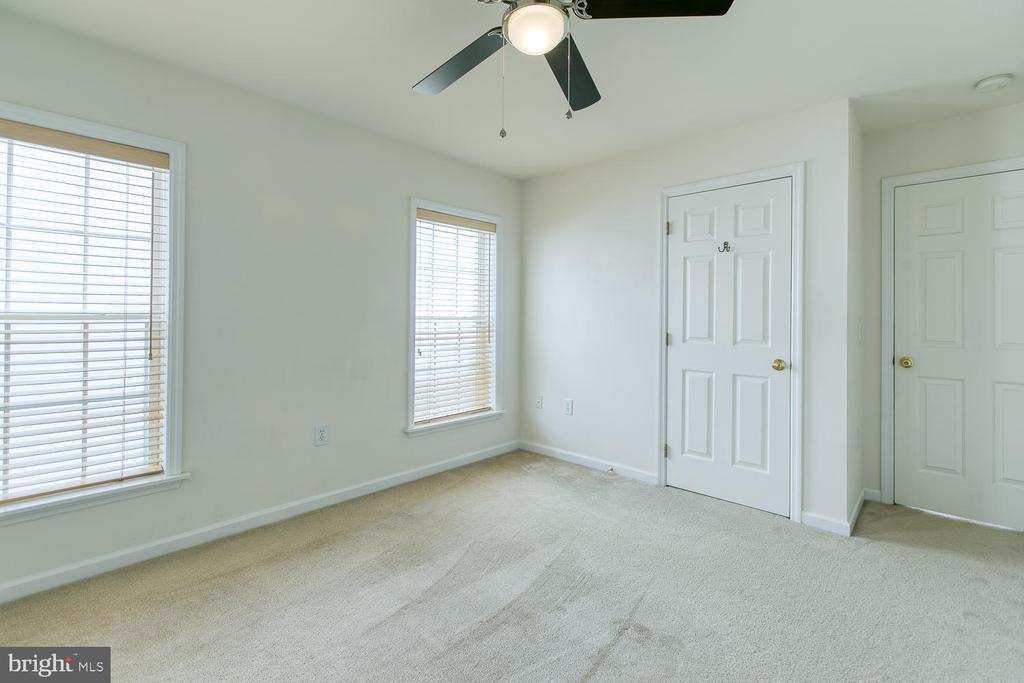 Bedroom 4 - 102 GLACIER WAY, STAFFORD