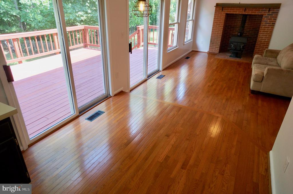 Breakfast Room with Hardwoods and SGD to Deck - 3207 AQUIA DR, STAFFORD