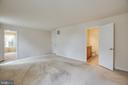 master suite with private master bath - 7 FIREHAWK DR, STAFFORD