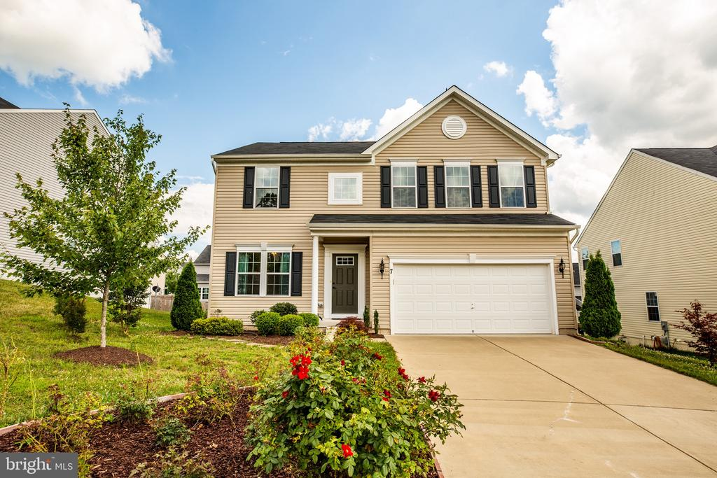 Like new beautiful home with over 3000 Sqft. - 7 FIREHAWK DR, STAFFORD