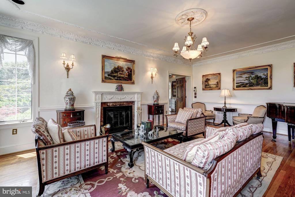 Formal Living Room - 4309 SUNDOWN RD, GAITHERSBURG