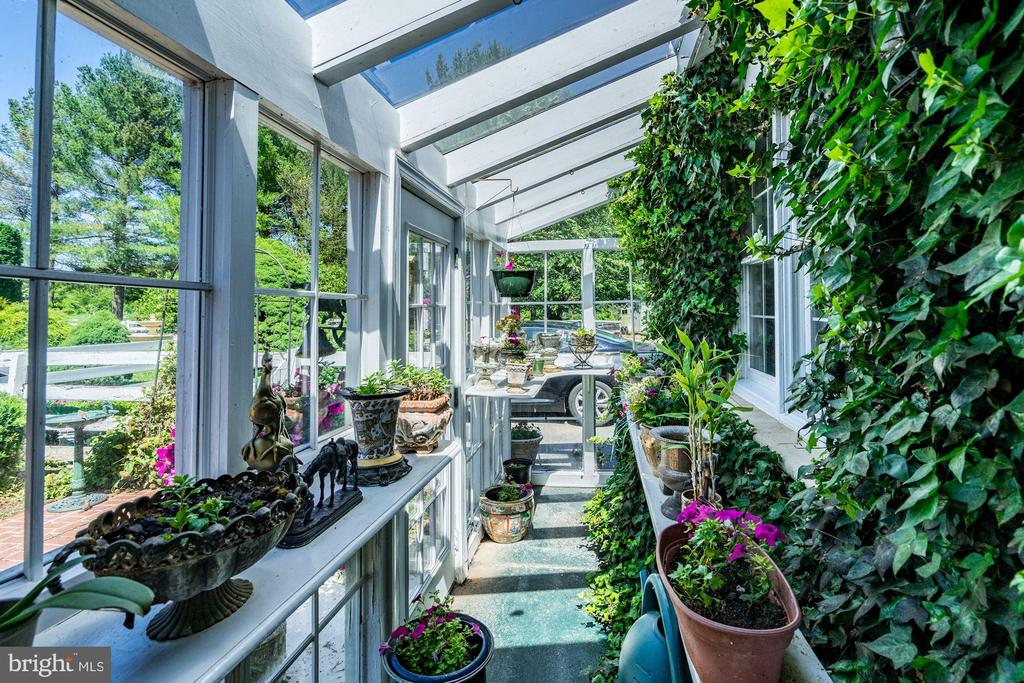 Green House - 4309 SUNDOWN RD, GAITHERSBURG