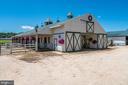 Large Barn w/Center Isle - 4309 SUNDOWN RD, GAITHERSBURG
