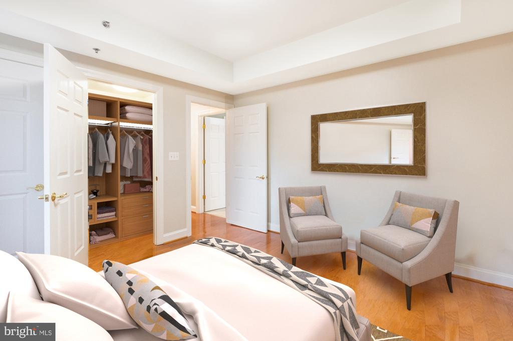 Plenty of closet space and own bathroom - 1555 N COLONIAL TER #501, ARLINGTON