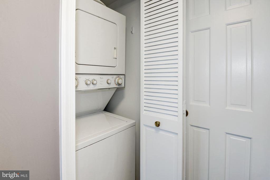 Private laundry in-unit - 801 PENNSYLVANIA AVE NW #1207, WASHINGTON