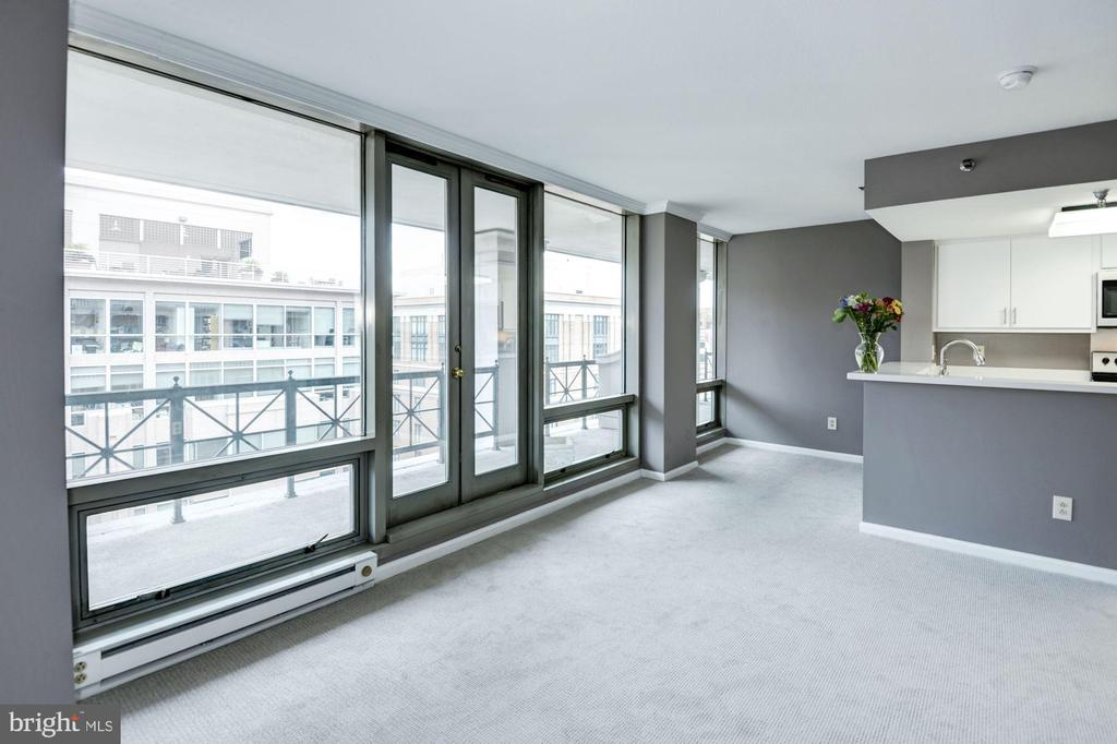 View towards kitchen and dining area at terrace - 801 PENNSYLVANIA AVE NW #1207, WASHINGTON