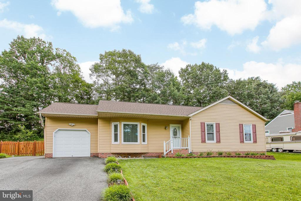 Welcome Home! - 236 WHITSONS RUN, STAFFORD