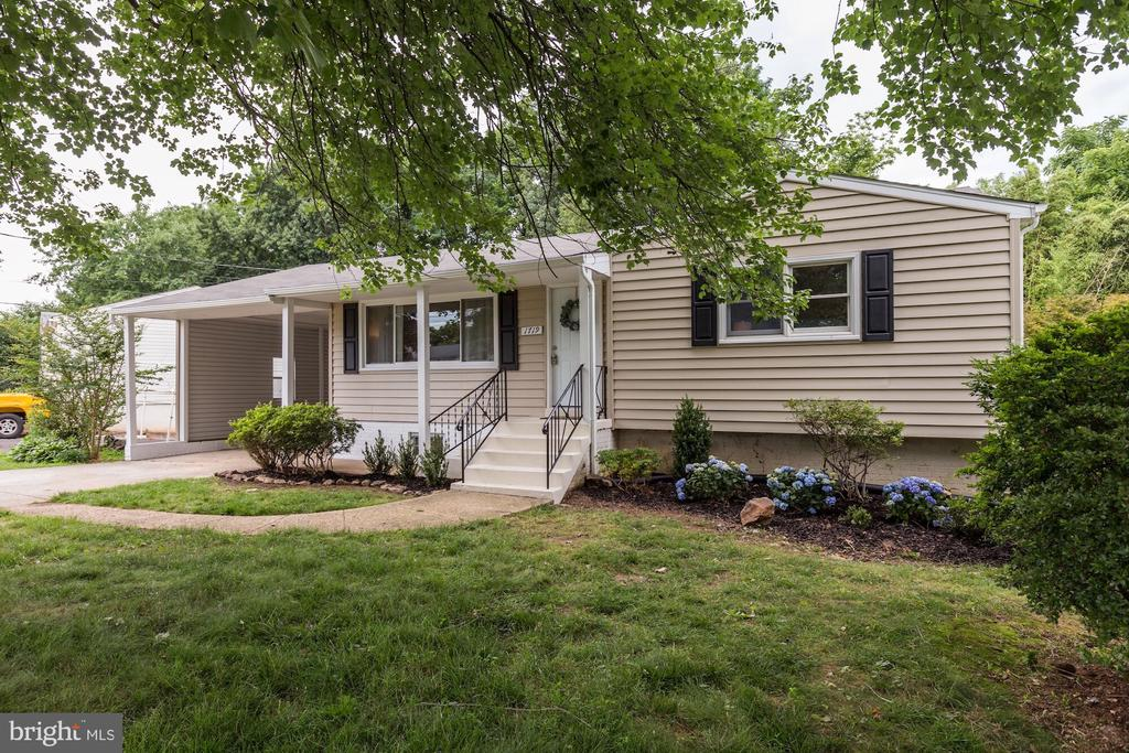 Brand new siding - 1719 OLNEY RD, FALLS CHURCH