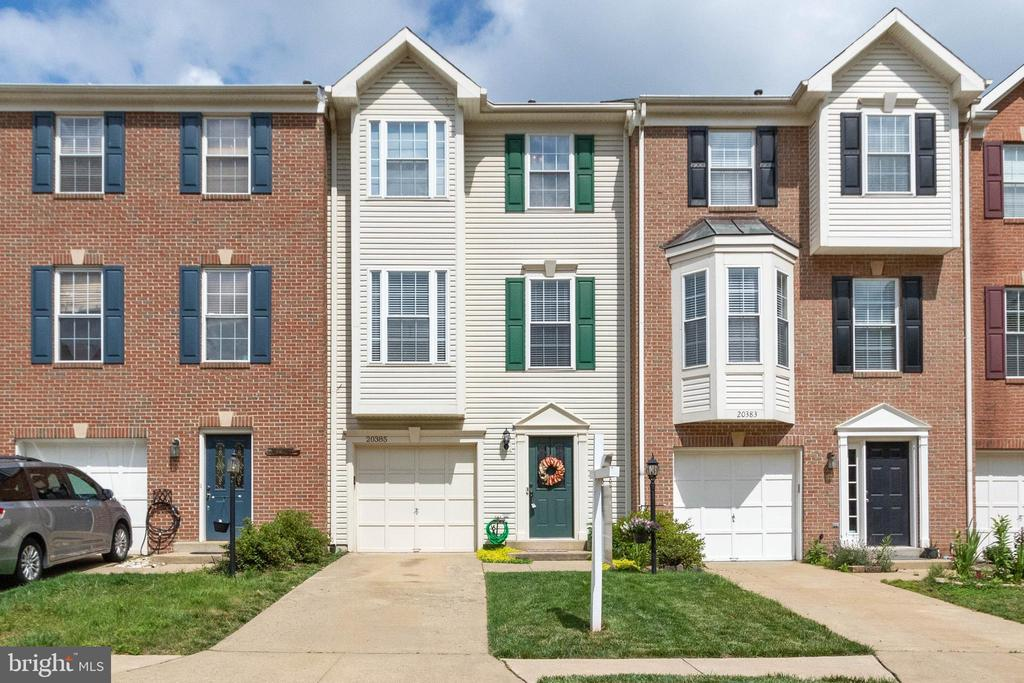 Welcome Home! - 20385 FARMGATE TER, ASHBURN