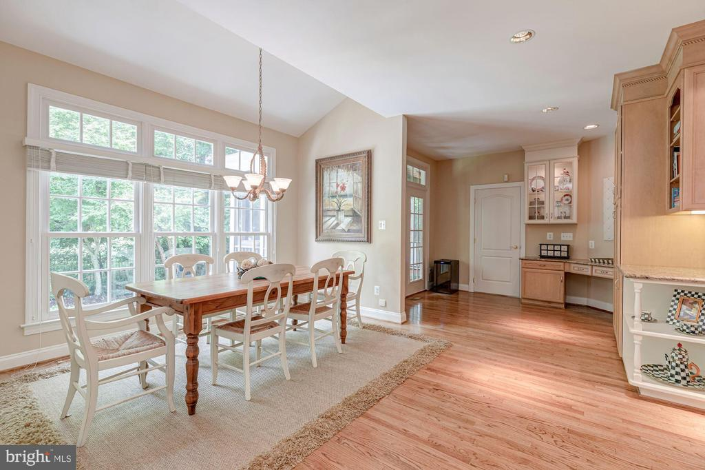 Breakfast Room - 10810 TRADEWIND DR, OAKTON